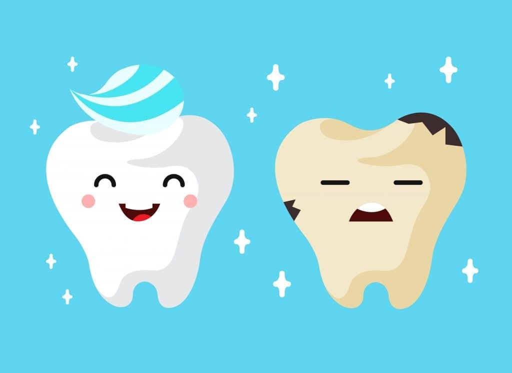 illustrazione di dente sano bianco che con il tempo presenta macchie nere sui denti